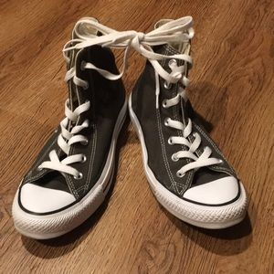 Shoes - Army green converse